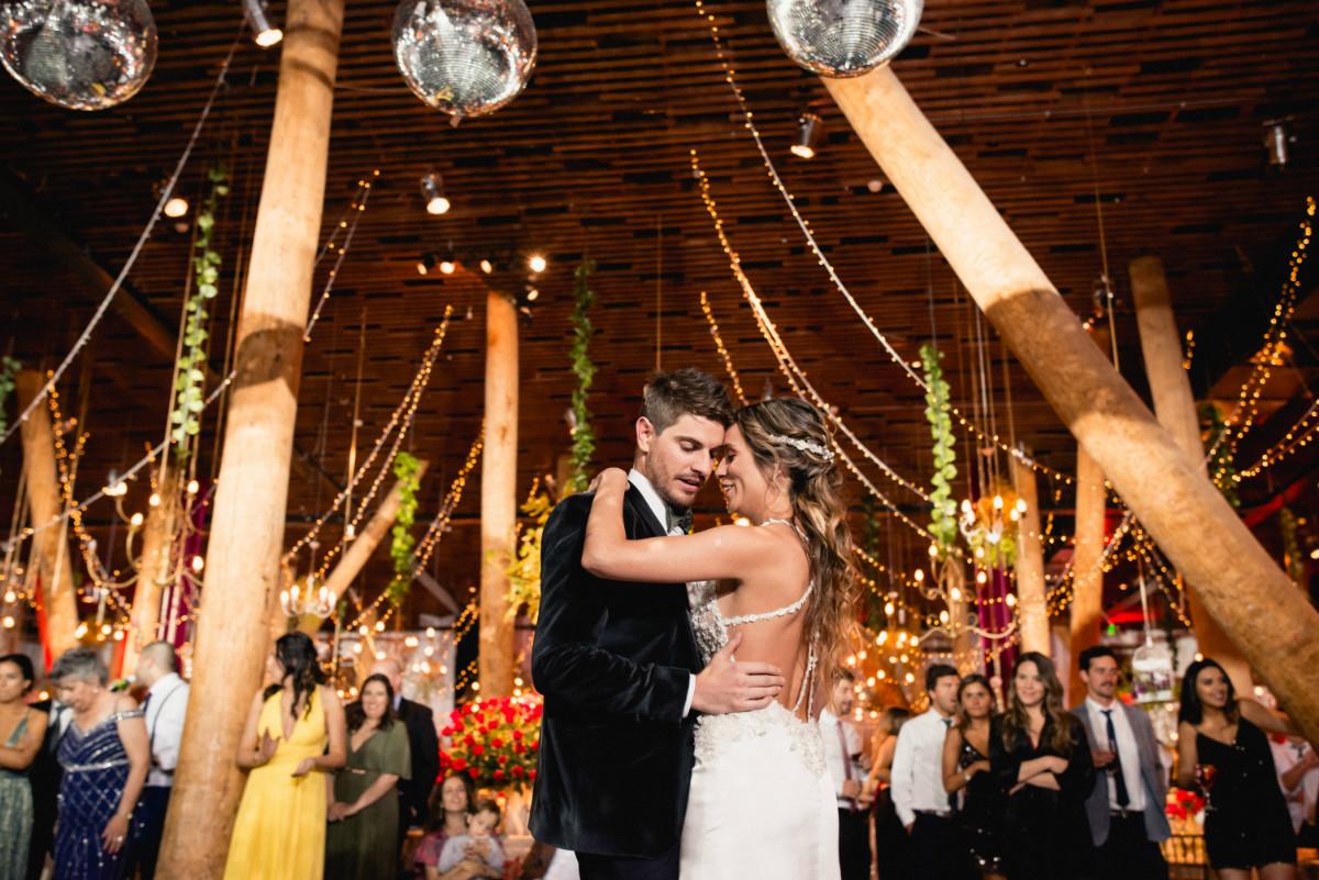 barbara-hernan-matrimonio-casona-de-la-laguna-sofia-jottar-fotografia-por-ampersand-wedding-films078