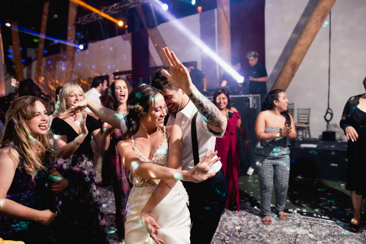 barbara-hernan-matrimonio-casona-de-la-laguna-sofia-jottar-fotografia-por-ampersand-wedding-films089