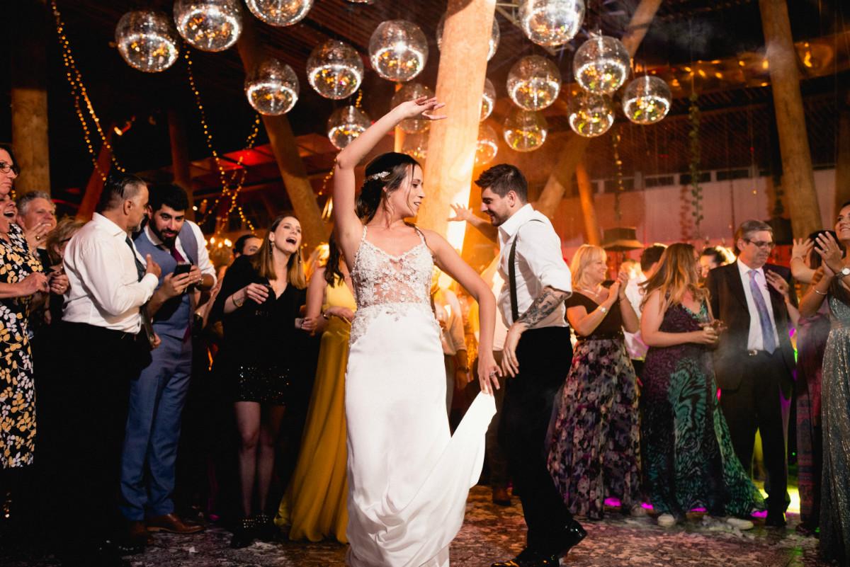 barbara-hernan-matrimonio-casona-de-la-laguna-sofia-jottar-fotografia-por-ampersand-wedding-films091